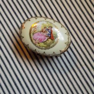 Other - Antique porcelain Victorian hinged trinket box